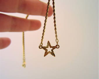 Gold star necklace. Vintage jewelry. Short necklace. Open star necklace. Great for layering. Gift for her. Star necklace gold.