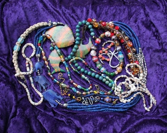 Detash Stash/Jewelry lot/Scrap Jewelry/steampunk supplies/upcycled jewelry/craft supplies/jewelry supplies/costume jewelry/broken jewelry