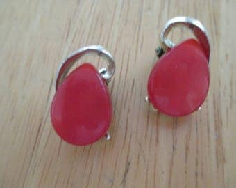 Vintage costume jewelry red thermoset clip on earrings