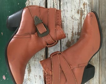 SPRING SALE Cowboy Boots, Brown Leather Boots, Leather Booties, Boots with Buckle, Western Boots, Cowboy Booties, Cowboy Shoes Brown Size 6.