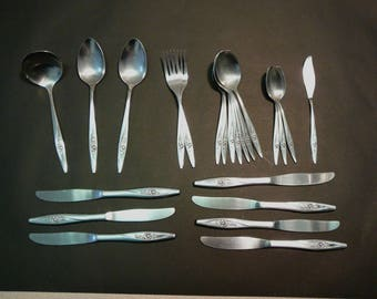 Oneida Lasting Rose 23 Pc Flatware Silverware  Serving Spoons Ladle Oneidacraft