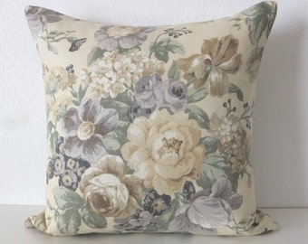 Pillow Cover - Shabby and chic - Yellow roses