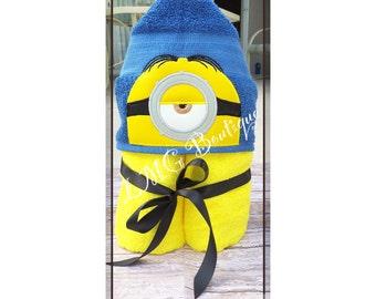 Minions Hooded Bath Towel, Kevin Pool Towel,  Minion kids bath towel, Kids beach towel, Kids personalized towel gift