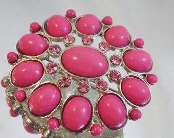 ON SALE Vintage Pink Cabochon Brooch. Pink Rhinestones Pin.