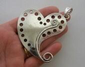 1 Heart pendant antique silver tone M900