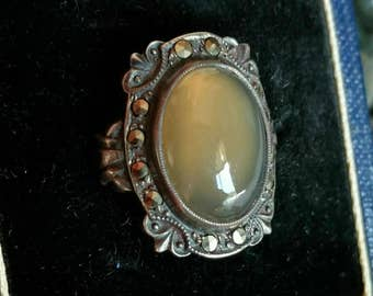 Sterling silver and agate marcasite Uncas ring - vintage jewelry