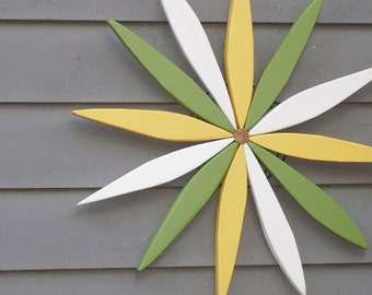 Wooden Starburst Wreath Wall, Fence and Door Decor - Outdoor Art - Garden Wreath handcrafted by Laughing Creek
