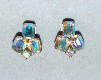 Vintage / Earrings / Weiss / Aurora Borealis / Rhinestone / Clip Back / old jewelry / signed / designer