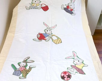 Sweet Vintage 1950's Baby Child's Quilt Bunny Rabbit Appliqués Hand Quilted