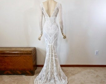 Long Sleeve Bohemian Wedding Dress Off White Lace Wedding Dress VINTAGE Inspired Wedding Dress Mermaid BOHO Wedding Dress Sz Small