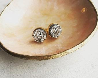 Druzy studs in silver, modern pretty jewelry