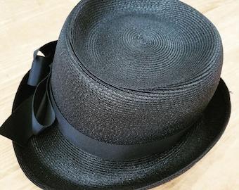 Vintage elegant 1950s black Hat
