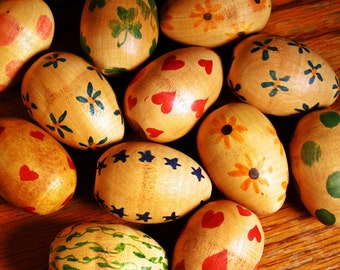 Folk Art Eggs, Free US Shipping, Wooden, Primitive, Baker's Dozen, Handpainted, Farm, Country, Flowers,Stars,Hearts,Shamrocks,Polka Dots