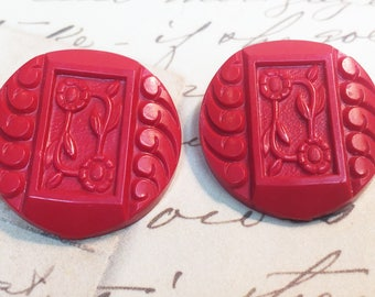Red Flower Buttons - Vintage Plastic Flower Buttons - Large  Buttons - Flower Art Button - Jewelry - Collectible Button - B141 - 2 Buttons
