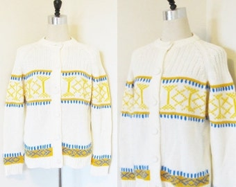 40% OFF SALE Vintage 1960's Mod Retro Sweater / 60's 70's Hand Loomed White and Yellow Acrylic Winter Sweater Size Large