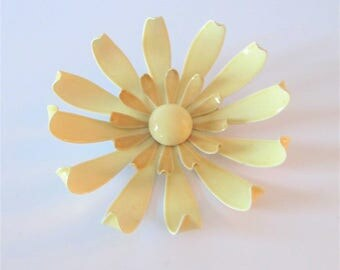Vintage 1960's Creme Beige Enamel Flower Brooch / Large Retro Chunky Jewelry Floral Metal Daisy Pin