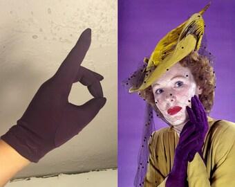 A Dash of Sugarplum - Vintage 1950s Eggplant Plum Nylon Short Wrist Gloves - 6-7