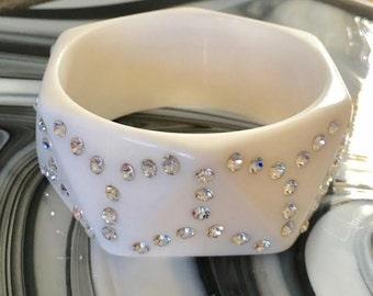 Vintage White Rhinestone Lucite Bangle Bracelet, Retro, Costume Jewelry, Vintage Jewelry