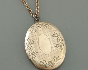 Locket Necklace - Vintage Locket -  Brass Locket - Victorian Locket - Keepsake Necklace - handmade jewelry