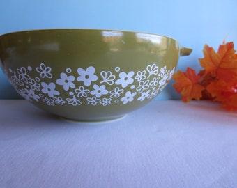 Vintage Green Daisy 4 Quart Tab Bowl - 444 Pyrex Nesting Bowl