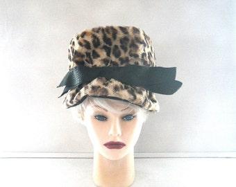 "Faux Fur Leopard Skin Cloche Hat 1960s Grosgrain Ribbon Small to Medium 22"""