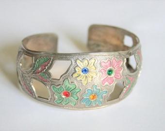 Vintage flower bangle. Vintage jewellery. Enamel flower bangle