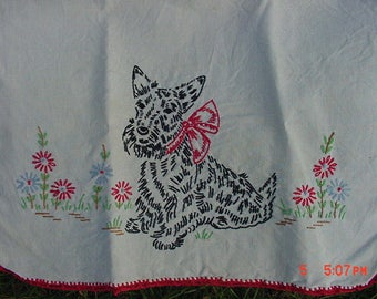 Vintage Scottish Terrier  Hand Embroidered Table Runner  17 - 446