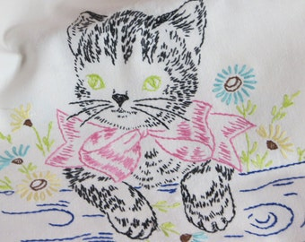 Vintage Runner-Embroidered Kitten-Vanity-Dresser Scarf-Shabby Cottage Chic-Towel-CUTE