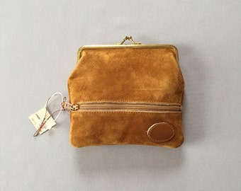 mustard suede kiss lock purse | 70s small pouch