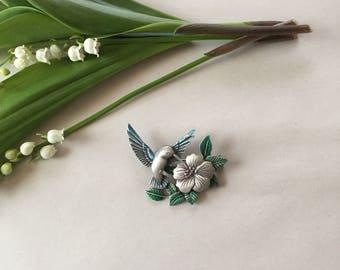 SALE...hummingbird brooch | flying hummingbird and plumeria brooch