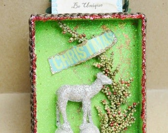 Paper Box Christmas Decor Ornament Silver Glitter Deer with Be Unique sign Diorama