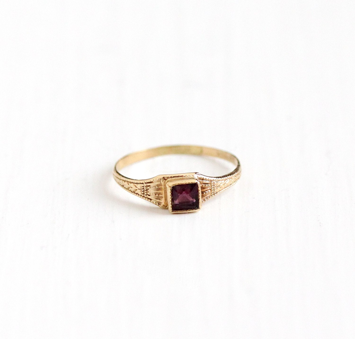Sale Vintage Simulated Amethyst 10k Yellow Gold Baby Ring