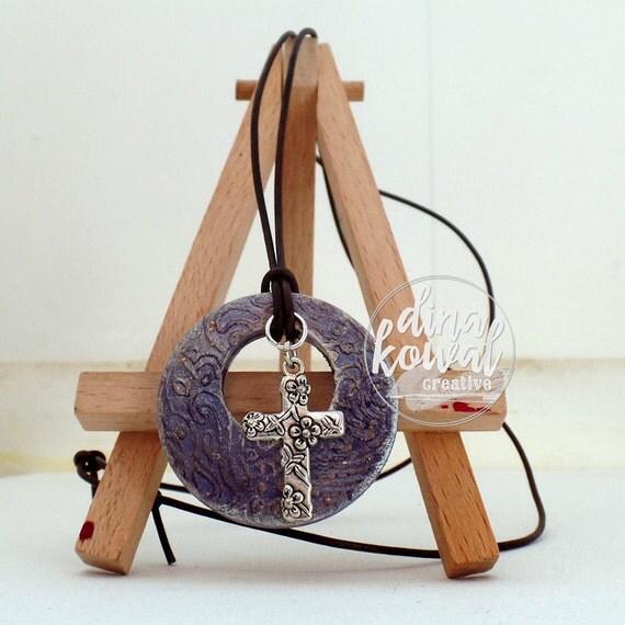 Cross wood pendant
