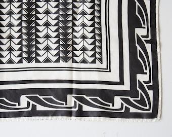 Vintage Geometric Black & White Scarf
