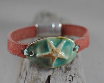 Starfish or Sanddollar Ceramic and Leather Bracelet - Leather Jewelry - Beach Bracelet
