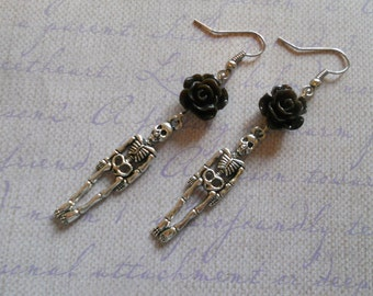 Skeleton earrings with flowers gothic lolita