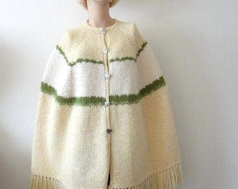 ON SALE 1970s Cape / Knit Poncho with Fringe / vintage outerwear