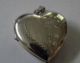 """Vintage locket, signed """"EL"""" sterling silver heart locket, vintage pendant, heart pendant, 1950s silver locket"""