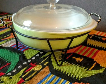 Vintage Pyrex Casserole Dish in Cradle Lime Green