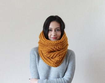 End of season SALE Chunky Knit Cowl Ribbed Textured Neckwarmer // The Bordeaux - BUTTERSCOTCH