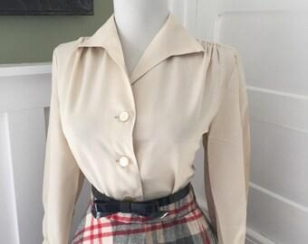 Flirty Vintage 1950s 1960s Atomic Cream Beige Long Sleeve Button Down Blouse