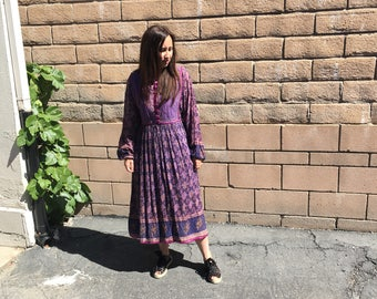 Vintage 70's  Indian Cotton Gauze quilted dress  / Floral Pattern / 70's Vintage Hippie Boho S M