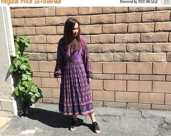 25% OFF Vintage Indian Cotton Gauze quilted dress  / Floral Pattern / 70's Vintage Hippie Boho