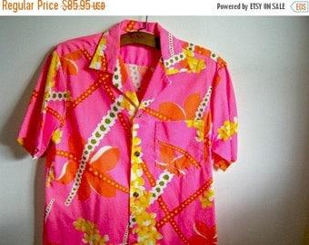 Vintage Pink Men's Hawaiian Shirt Pink Polyester Royal Hawaiian Retro Vintage Shop Vintage Fashion Party Shirt MEDIUM