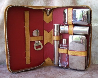 Vintage mens travel grooming kit in leather case.  B350-.75