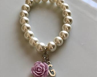 Ivory pearl bracelet with letter and salmon rose, initial bracelet, personalized jewelry, bridal bracelet, bridesmaids bracelet