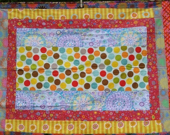 Dotty II baby quilt