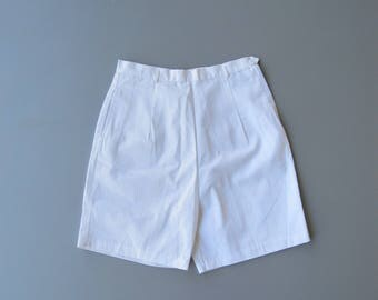1950s Shorts. 50s Shorts. 1960s Shorts. 60s Shorts. White Shorts. Pin Up Shorts. Small Medium