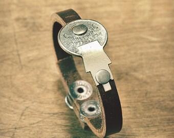 Concentric Key Bracelet - Silver