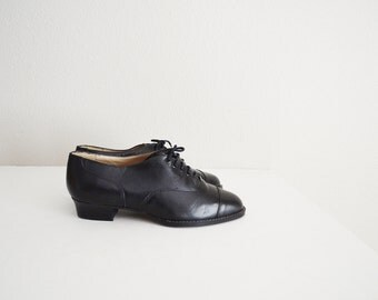 Vintage 80s Black Leather Oxford Lace Up Granny Shoe //womens US size 7.5- Deadstock